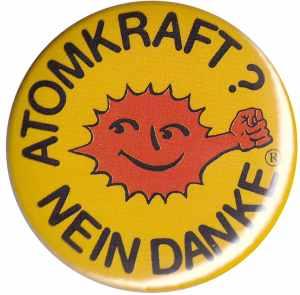 37mm Button: Atomkraft? Nein Danke - mit Faust