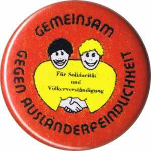 37mm Magnet-Button: Gemeinsam gegen Ausländerfeindlichkeit