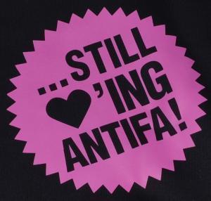 Detailansicht Kapuzen-Pullover: ... still loving antifa! (pink)