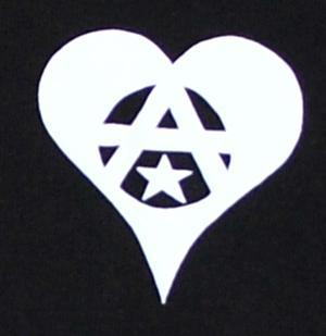Detailansicht Kapuzen-Jacke: Anarchie Herz