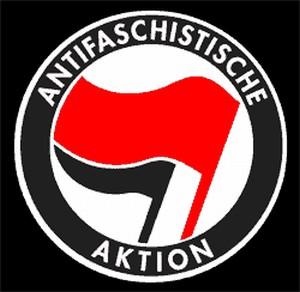 Detailansicht Kapuzen-Jacke: Antifaschistische Aktion (rot/schwarz)