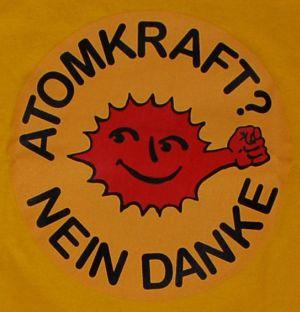 Detailansicht T-Shirt: Atomkraft? Nein Danke - mit Faust