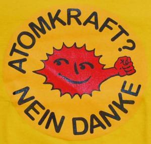 Detailansicht Girlie-Shirt: Atomkraft? Nein Danke - mit Faust