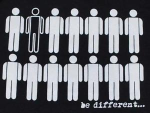 Detailansicht Kapuzen-Pullover: Be different