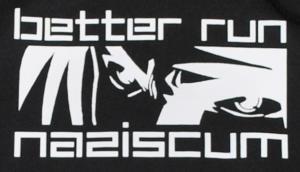 Detailansicht Kapuzen-Pullover: better run naziscum