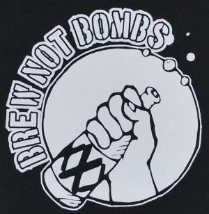 Detailansicht Top / Trägershirt: Brew not Bombs