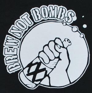 Detailansicht Sweat-Jacket: Brew not Bombs