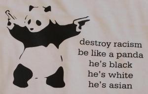 Detailansicht Tanktop: destroy racism - be like a panda