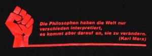 Detailansicht Kapuzen-Longsleeve: Die Philosophen haben die Welt nur verschieden interpretiert.