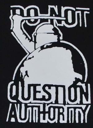Detailansicht Sweat-Jacket: Do not question Authority