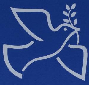 Detailansicht T-Shirt: Friedenstaube mit Zweig
