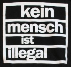 Detailansicht Kapuzen-Pullover: kein mensch ist illegal