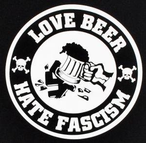 Detailansicht Man Tanktop: Love Beer Hate Fascism