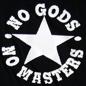 Detailansicht Girlie-Shirt: No Gods No Masters