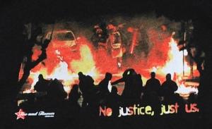 Detailansicht Kapuzen-Pullover: No Justice - Just Us