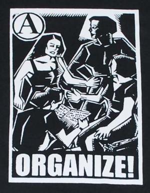 Detailansicht Kapuzen-Longsleeve: Organize