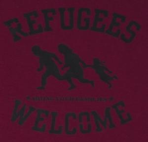 Detailansicht T-Shirt: Refugees welcome (burgund, schwarzer Druck)