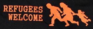 Detailansicht Girlie-Shirt: Refugees welcome (running family)