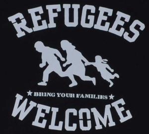 Detailansicht Kapuzen-Pullover: Refugees welcome (weiß)