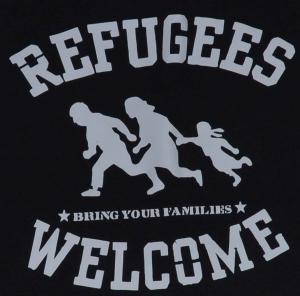 Detailansicht Trägershirt: Refugees welcome (weiß)