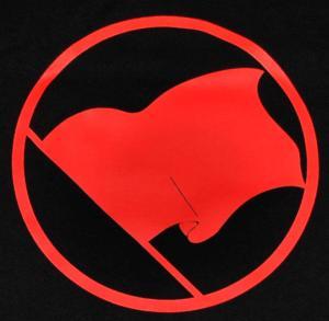 Detailansicht T-Shirt: Rote Fahne