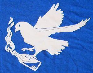 Detailansicht T-Shirt: Taube mit Molli