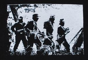 Detailansicht Kapuzen-Pullover: Zapatista