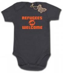 """Zum Babybody """"Refugees welcome (Quer)"""" für 9,90 € gehen."""