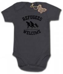 """Zum Babybody """"Refugees welcome (schwarz)"""" für 9,90 € gehen."""
