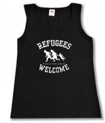 """Zum tailliertes Tanktop """"Refugees welcome (weiß)"""" für 12,00 € gehen."""
