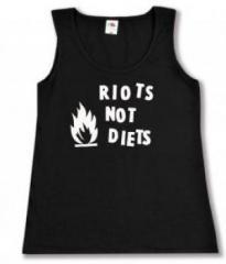 """Zum tailliertes Tanktop """"Riots not diets"""" für 12,00 € gehen."""
