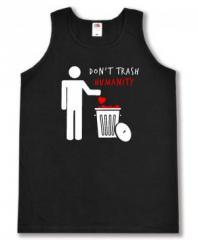 """Zum Tanktop """"Do not trash humanity"""" für 14,00 € gehen."""