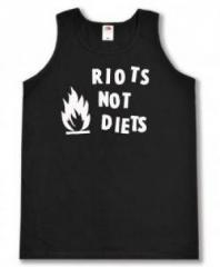"""Zum Tanktop """"Riots not diets"""" für 12,00 € gehen."""