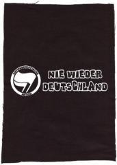 """Zum Rückenaufnäher """"Nie wieder Deutschland"""" für 3,00 € gehen."""