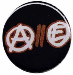 """Zum 37mm Magnet-Button """"Anarchy // Equality"""" für 2,44 € gehen."""