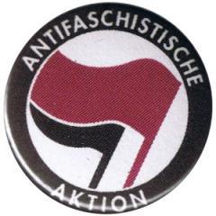 """Zum 37mm Magnet-Button """"Antifaschistische Aktion (lila/schwarz)"""" für 2,50 € gehen."""