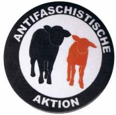 """Zum 37mm Magnet-Button """"Antifaschistische Aktion - Schafe"""" für 2,44 € gehen."""