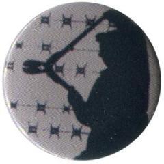 """Zum 37mm Magnet-Button """"Bolzenschneider"""" für 2,50 € gehen."""