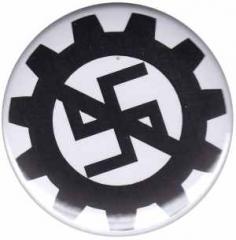 """Zum 37mm Magnet-Button """"EBM gegen Nazis"""" für 2,50 € gehen."""