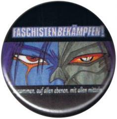 """Zum 37mm Magnet-Button """"Faschisten bekämpfen"""" für 2,50 € gehen."""