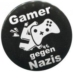"""Zum 37mm Magnet-Button """"Gamer gegen Nazis"""" für 2,50 € gehen."""
