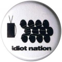 """Zum 37mm Magnet-Button """"Idiot nation"""" für 2,50 € gehen."""