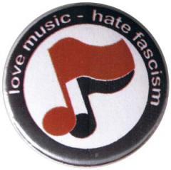 """Zum 37mm Magnet-Button """"love music - hate fascism (Noten)"""" für 2,50 € gehen."""