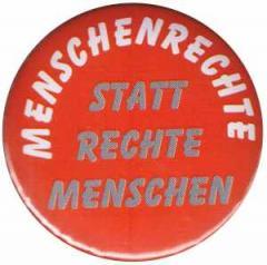 """Zum 37mm Magnet-Button """"Menschenrechte statt Rechte Menschen"""" für 2,50 € gehen."""