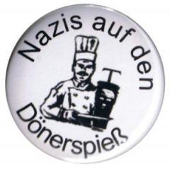 """Zum 37mm Magnet-Button """"Nazis auf den Dönerspieß"""" für 2,50 € gehen."""