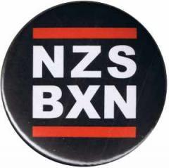 """Zum 37mm Magnet-Button """"NZS BXN"""" für 2,50 € gehen."""