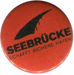 """Zum 37mm Magnet-Button """"Seebrücke (schwarze Schrift)"""" für 2,50 € gehen."""