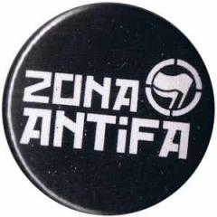 """Zum 37mm Magnet-Button """"Zona Antifa"""" für 2,50 € gehen."""