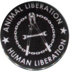 """Zum 50mm Magnet-Button """"Animal Liberation - Human Liberation (Zange)"""" für 2,92 € gehen."""