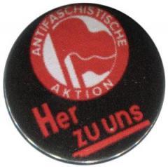 """Zum 50mm Magnet-Button """"Antifaschistische Aktion her zu uns"""" für 3,00 € gehen."""